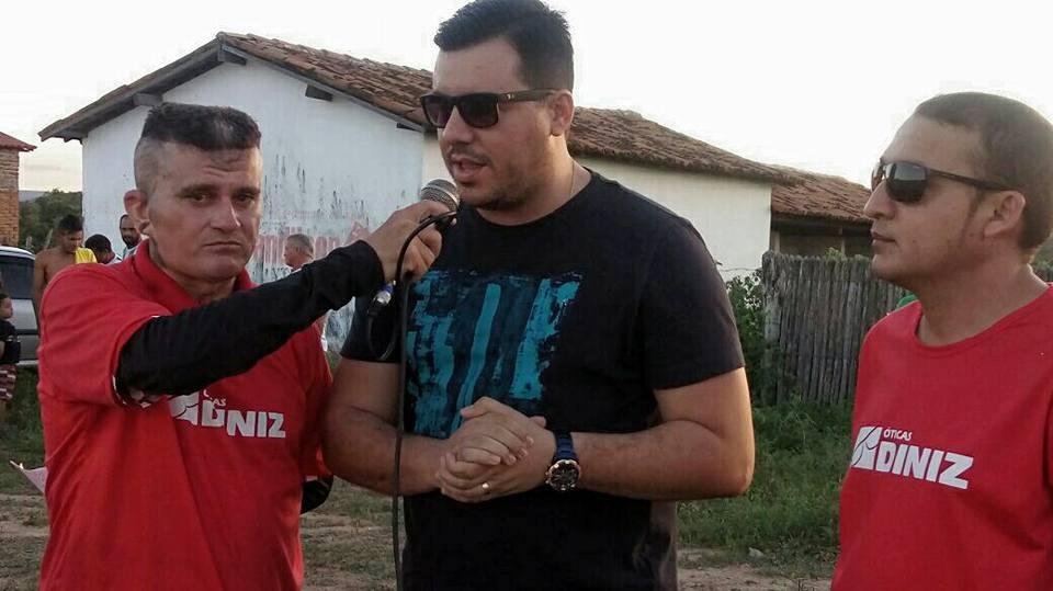 Prefeitura de Rafael Fernandes faz entrega de equipamentos esportivos a comunidade rural