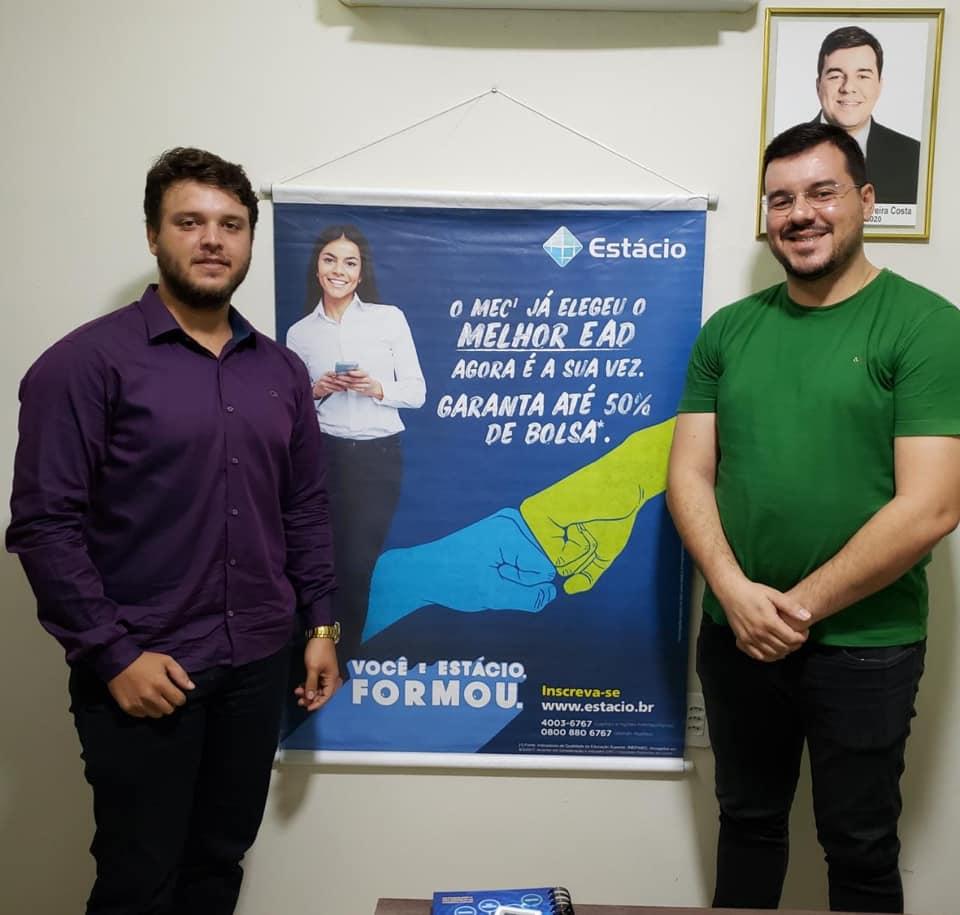 Convênio oportuniza descontos em cursos de graduação e pós para servidores públicos do município de Rafael Fernandes