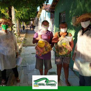 CRAS realiza entrega de kit's alimentícios para a população
